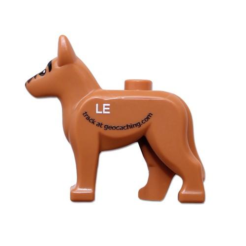 """Hund 2"""" lego figur med sporbar kode"""